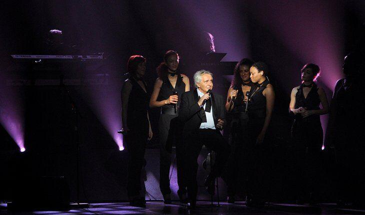 Michel Sardou sur scène. | Photo : GettyImage