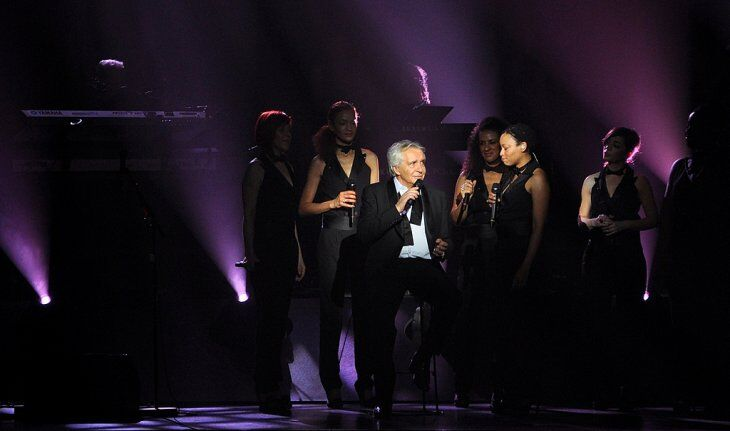 Michel Sardou sur scène. | Photo : GettyImage