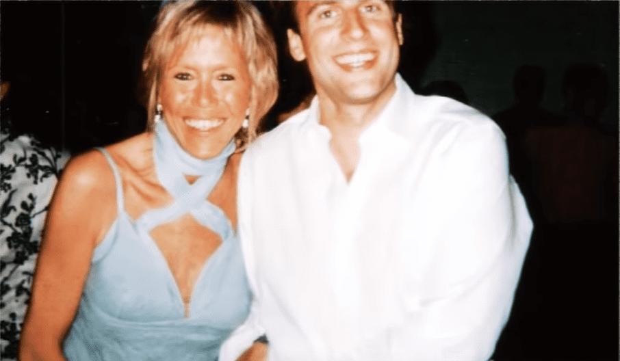Brigitte Macron : Le saviez vous pourquoi on ne trouve aucune photo de son ex mari   koi de neuf? Buzz : Youtube