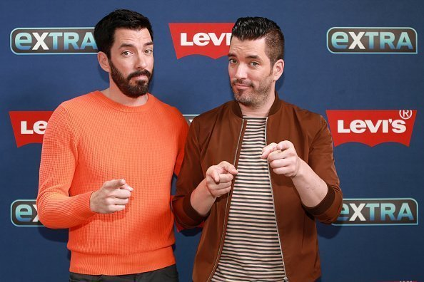 Jonathan Scott and Drew Scott at The Levi's Store Times Square on September 10, 2019   Photo: Getty Images