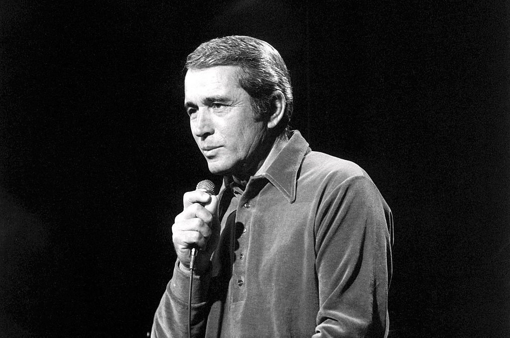 Perry Como appears on a TV show, London, May 1971 | Getty Images