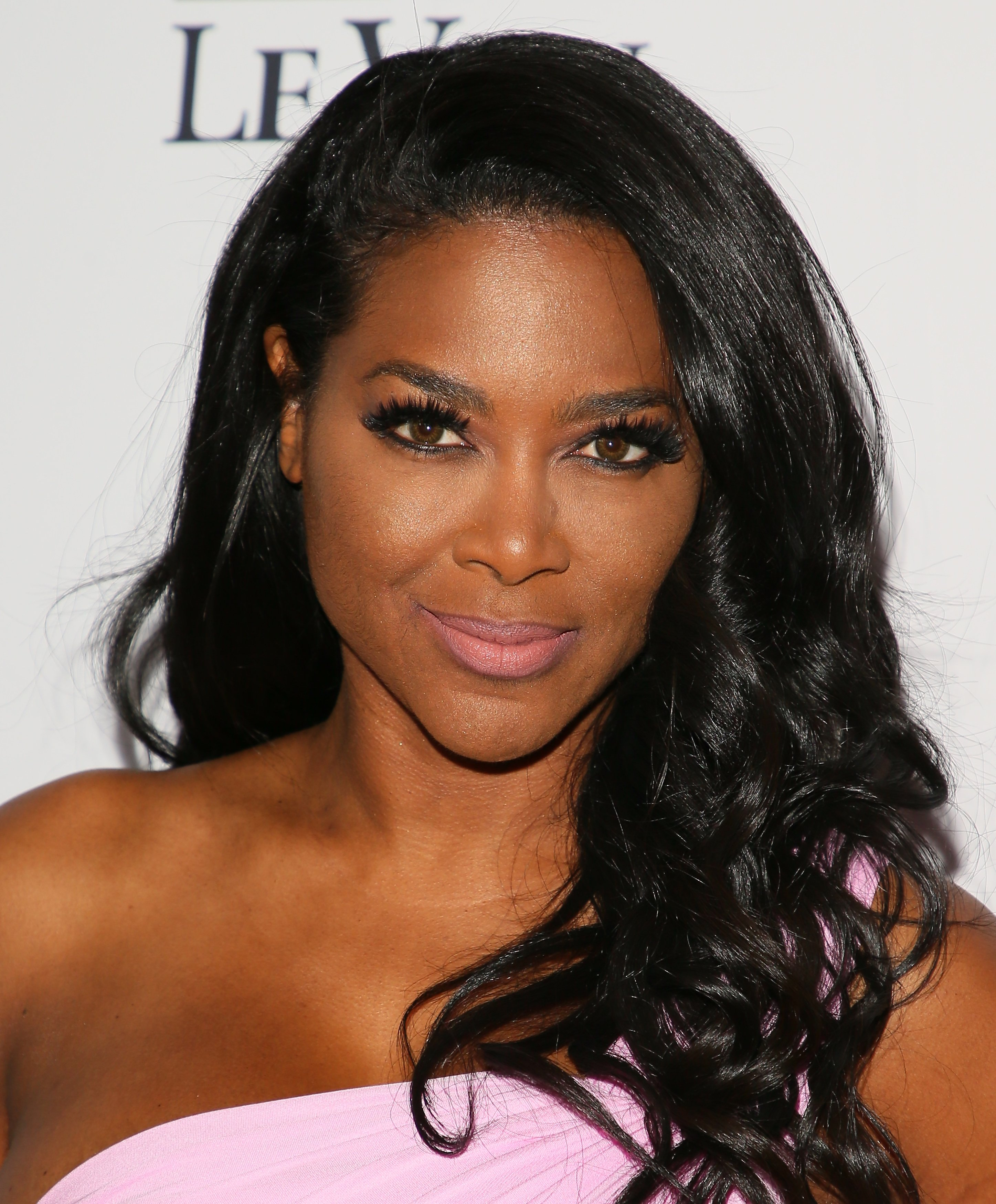 Kenya Moore attends the OK! Magazine's Annual Pre-Oscar Event on February 22, 2017, in Los Angeles, California.  Source: Getty Images
