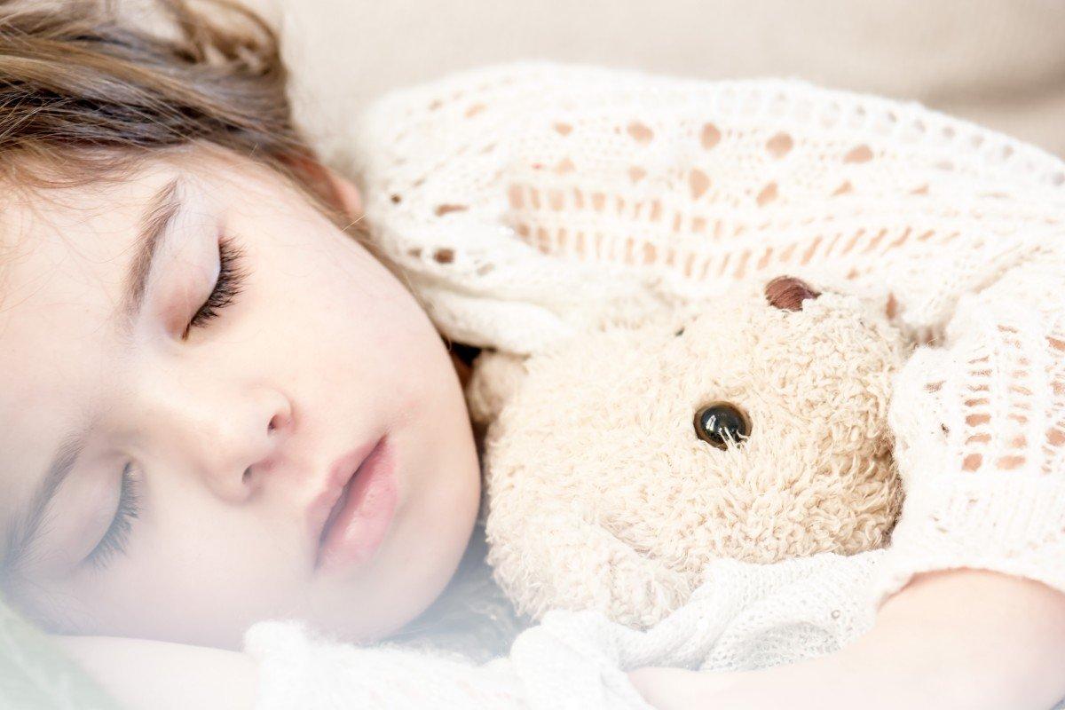 Une petite fille endormie l Source: Pxhere