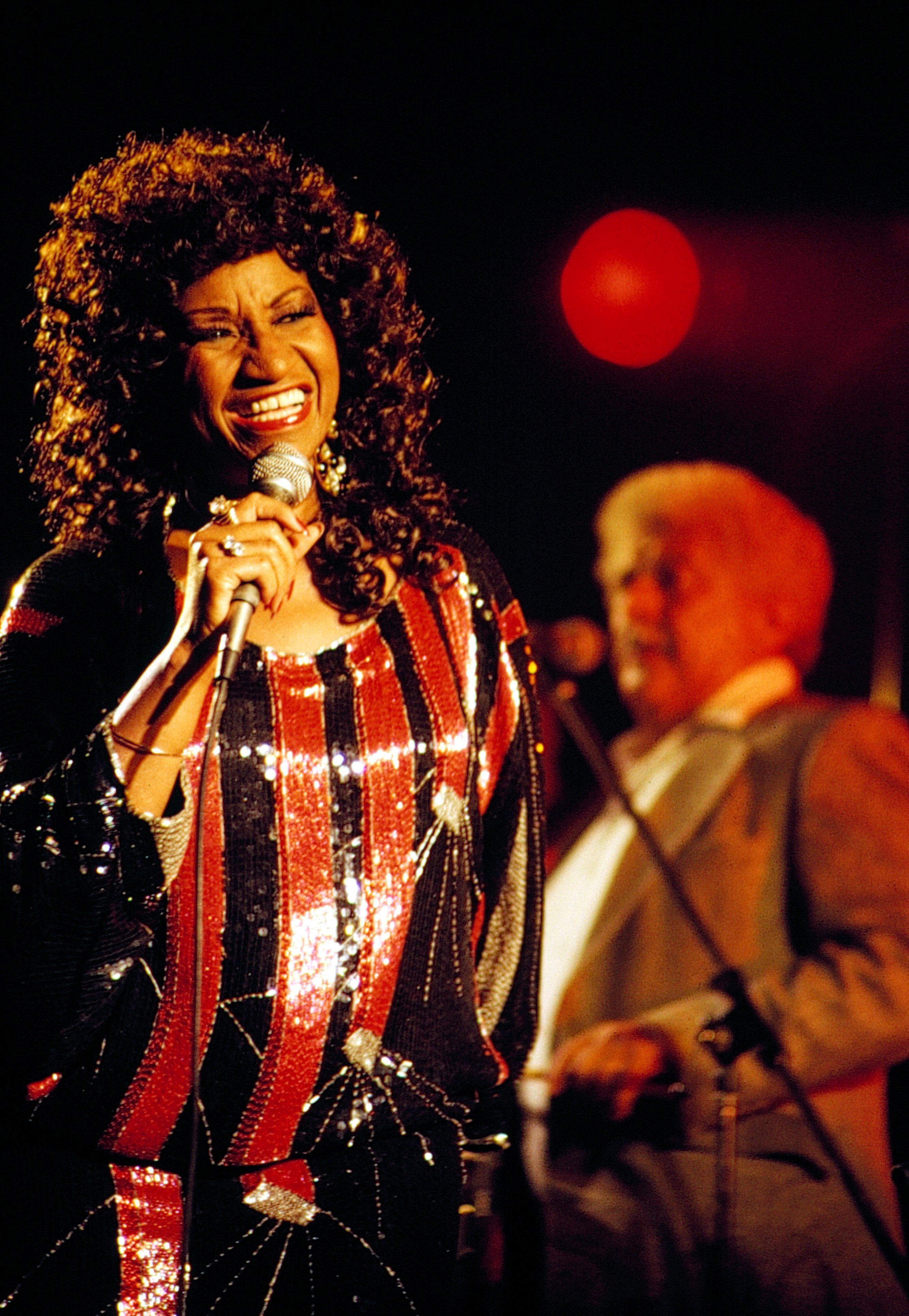 Celia Cruz en presentación en Londres con Tito Puente en 1986    Fuente: Getty Images