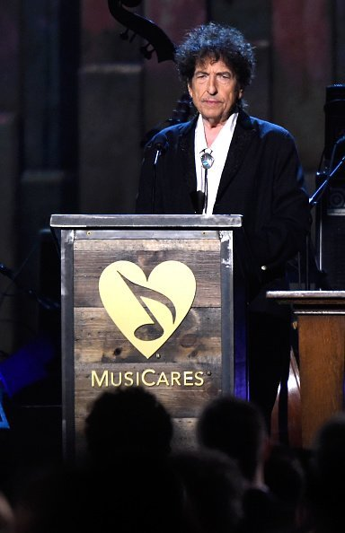 Bob Dylan at the Los Angeles Convention Center on February 6, 2015 in Los Angeles, California | Photo: Getty Images