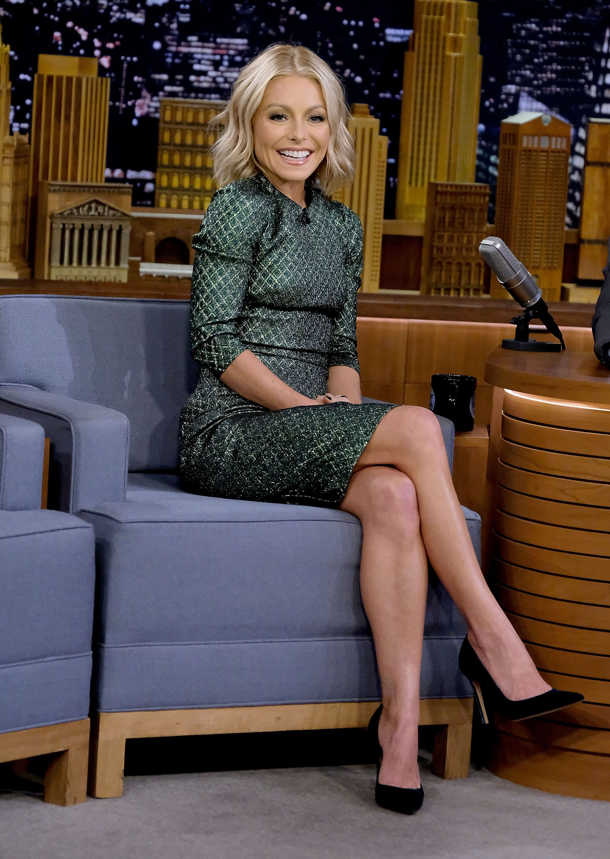"""Kelly Ripa at """"The Tonight Show Starring Jimmy Fallon"""" at Rockefeller Center on October 26, 2017, in New York City 