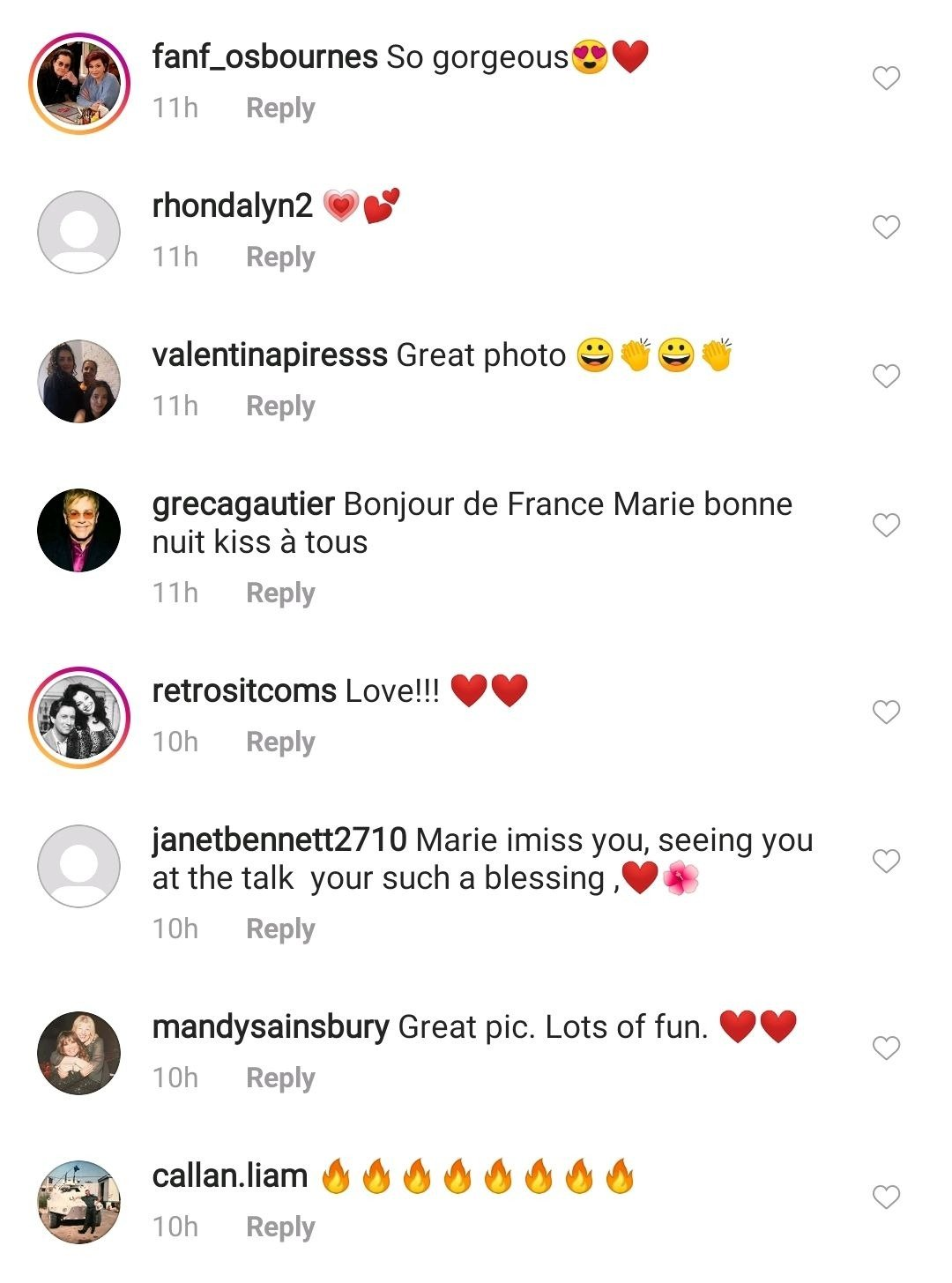 Fans react to Marie Osmond's post with her personalized face mask on August 20, 2020 | Photo: Instagram/marieosmond