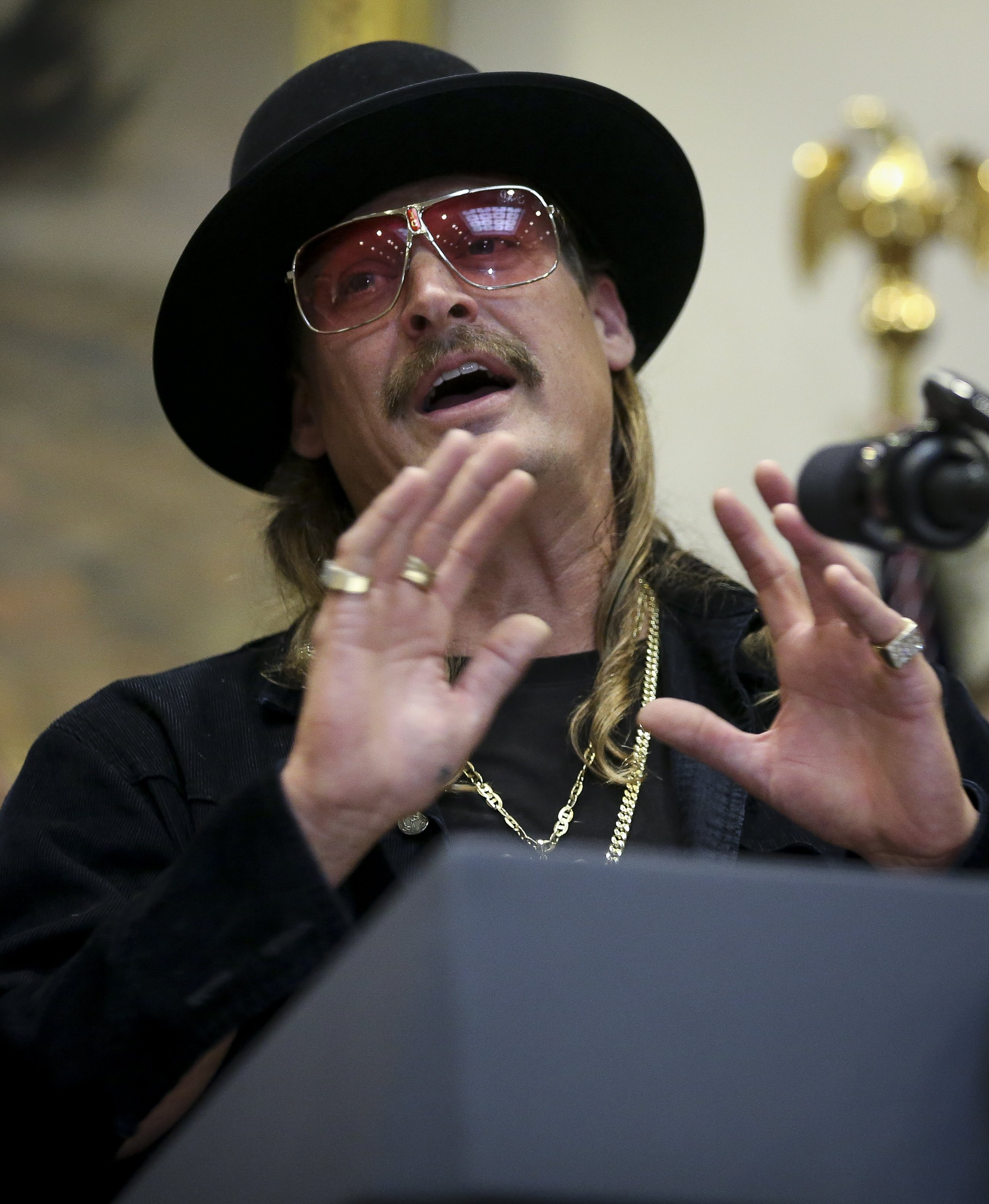 Kid Rock at the Roosevelt Room of the White House to attend the signing of the Orrin G. Hatch-Bob Goodlatte Music Modernization Act on October 11, 2018. | Photo: Getty Images