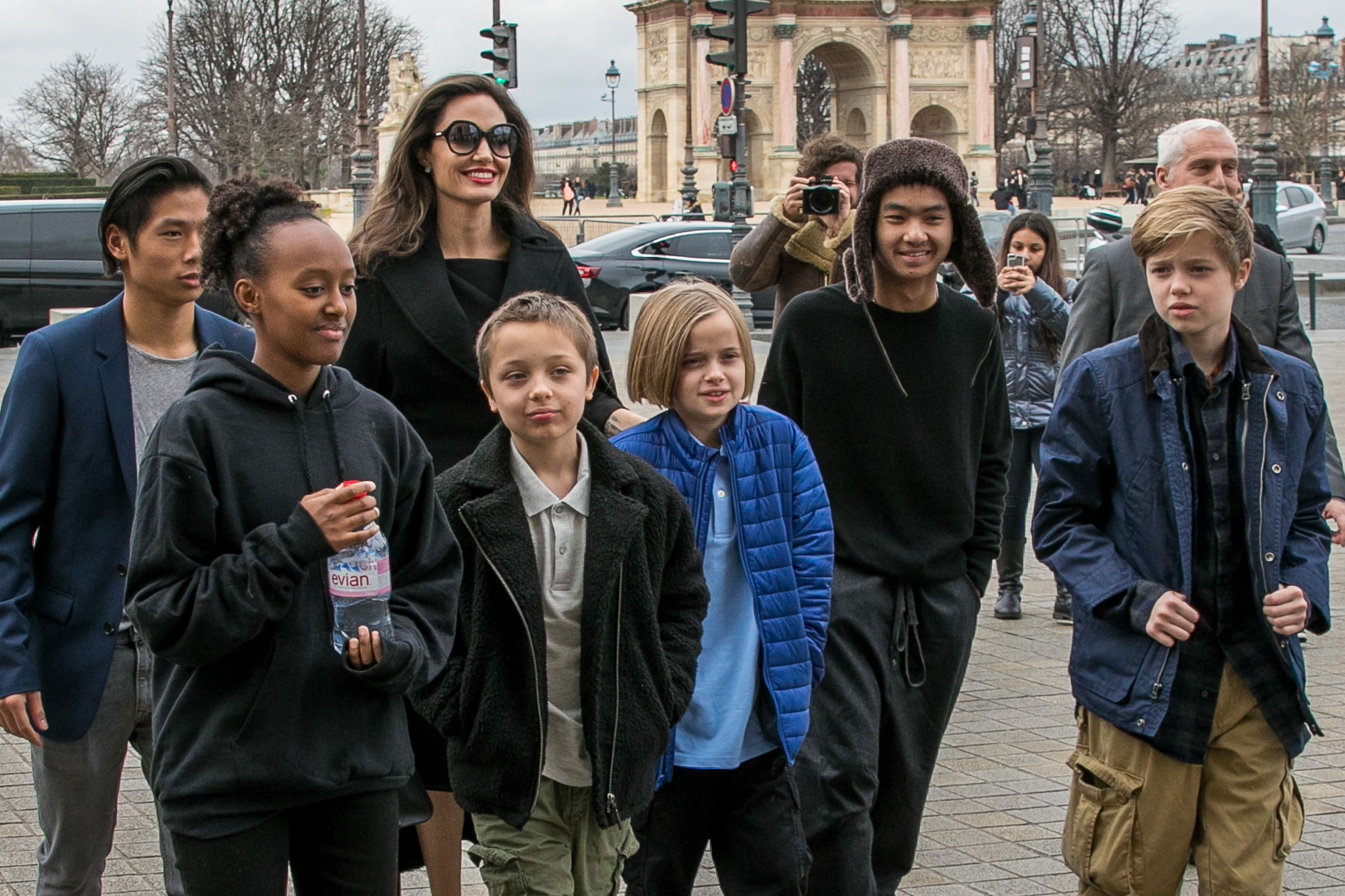 Angelina Jolie and her children Maddox, Shiloh, Vivienne, Knox, Zahara, and Pax Jolie-Pitt arriving at the Louvre museum on January 30, 2018, in Paris, France | Photo: Marc Piasecki/GC Images/Getty Images