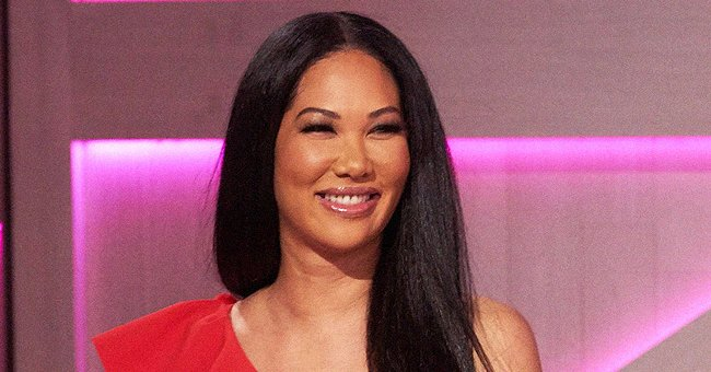 Kimora Lee Simmons' Daughter Ming Puts Her Model Figure on Display in Ripped Jeans & T-Shirt