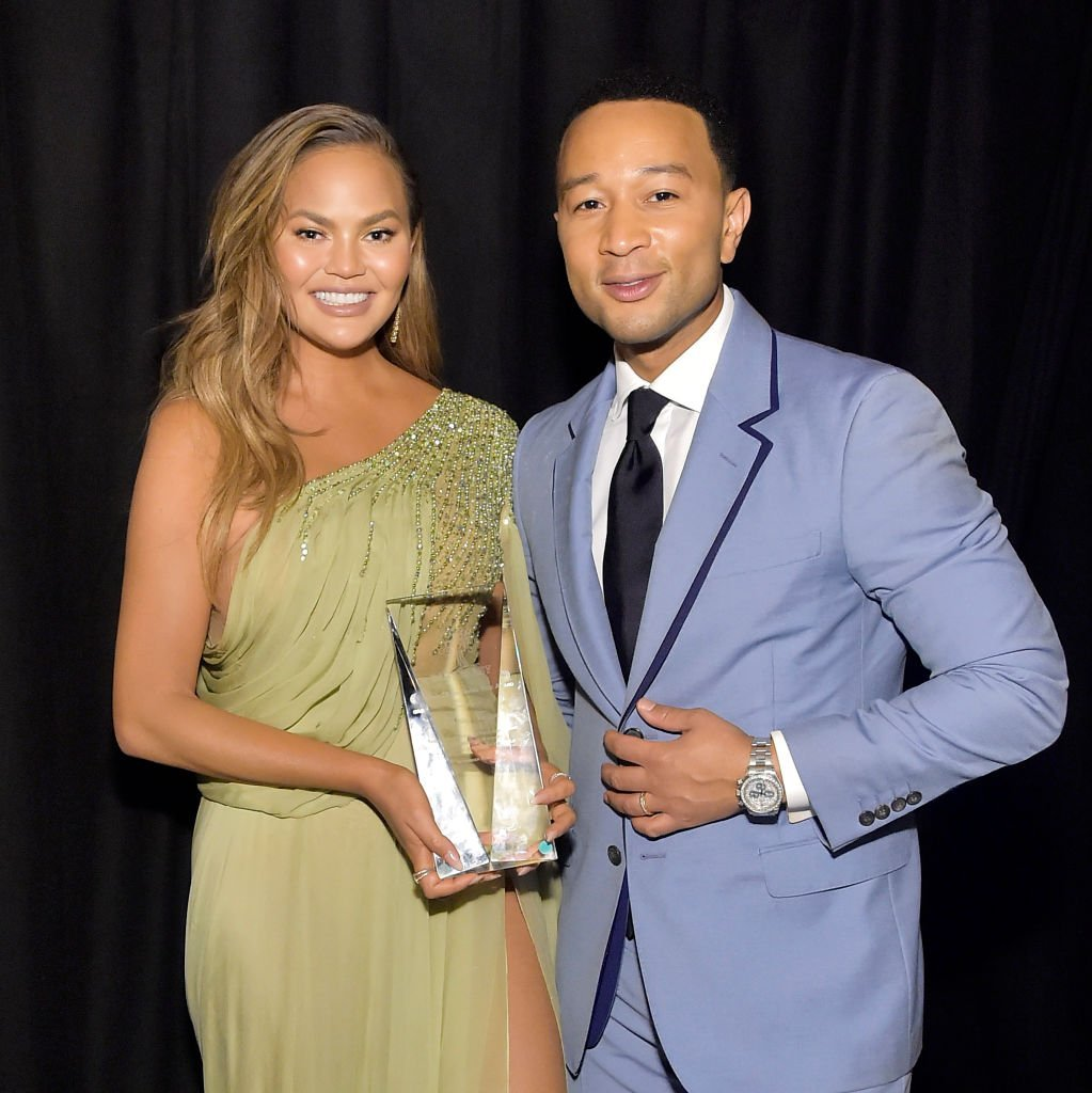 Chrissy Teigen and John Legend attend the 2019 Baby2Baby Gala presented by Paul Mitchell | Photo: Getty Images