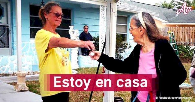 Anciana de 89 años es desalojada y una mujer se convierte en la mejor vecina al comprarle su casa