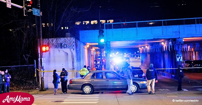 Two Chicago police officers killed in a tragic accident by a metro train