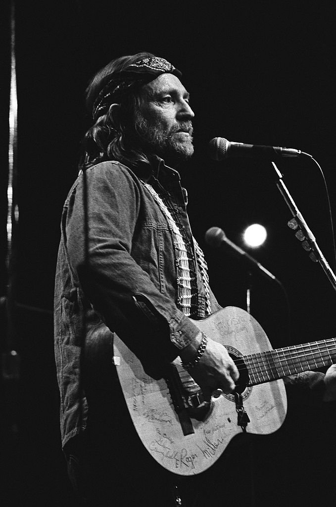 Willie Nelson performs live at The Circle Star Theatre in 1974 in Palo Alto, California. | Source: Getty Images