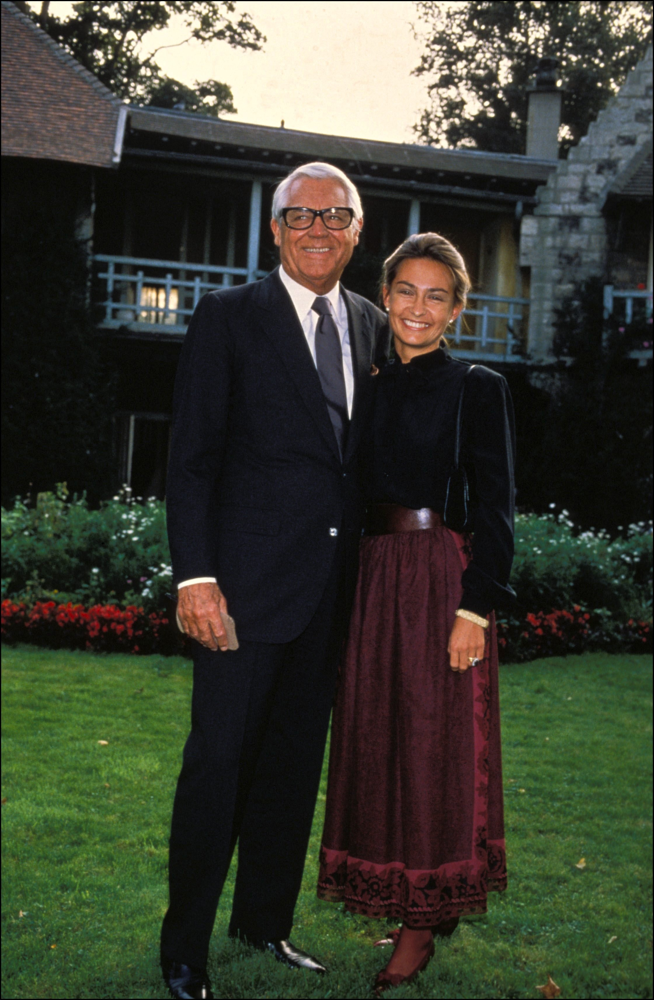 Cary Grant and wife Barbara In Paris, France On September 15, 1982 | Source: Getty Images