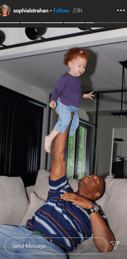 Michael Strahan carrying his twin daughter Sophia when she was a kid.   Photo: Instagram/Sophialstrahan