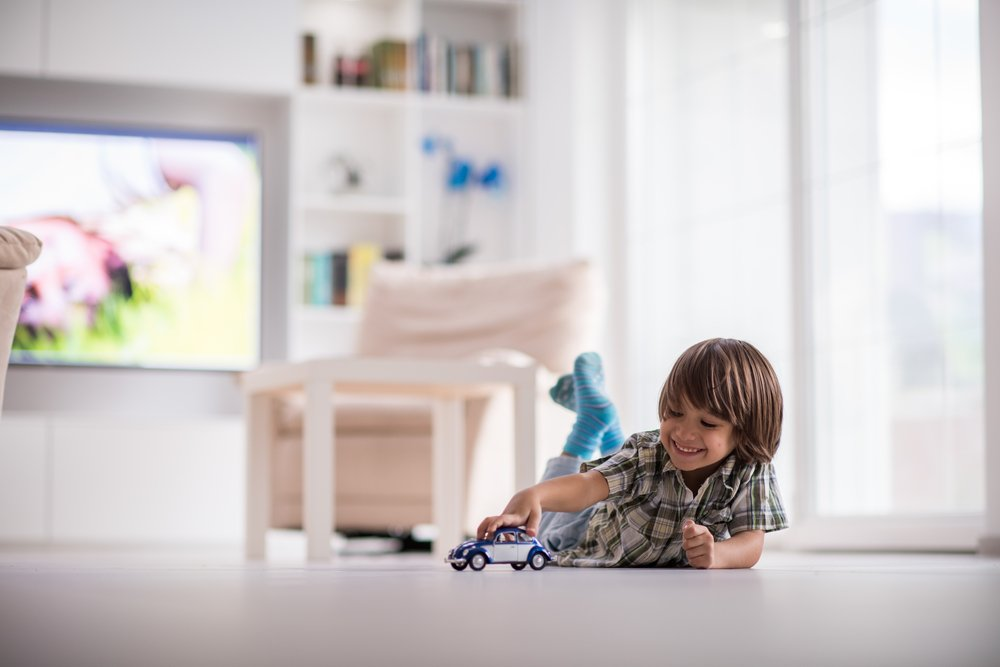 Kid Playing in House | Photo: Shutterstock
