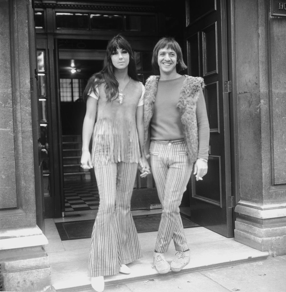 Cher and Sonny Bono on their trip to Britain just after getting married in 1969. | Source: Getty Images
