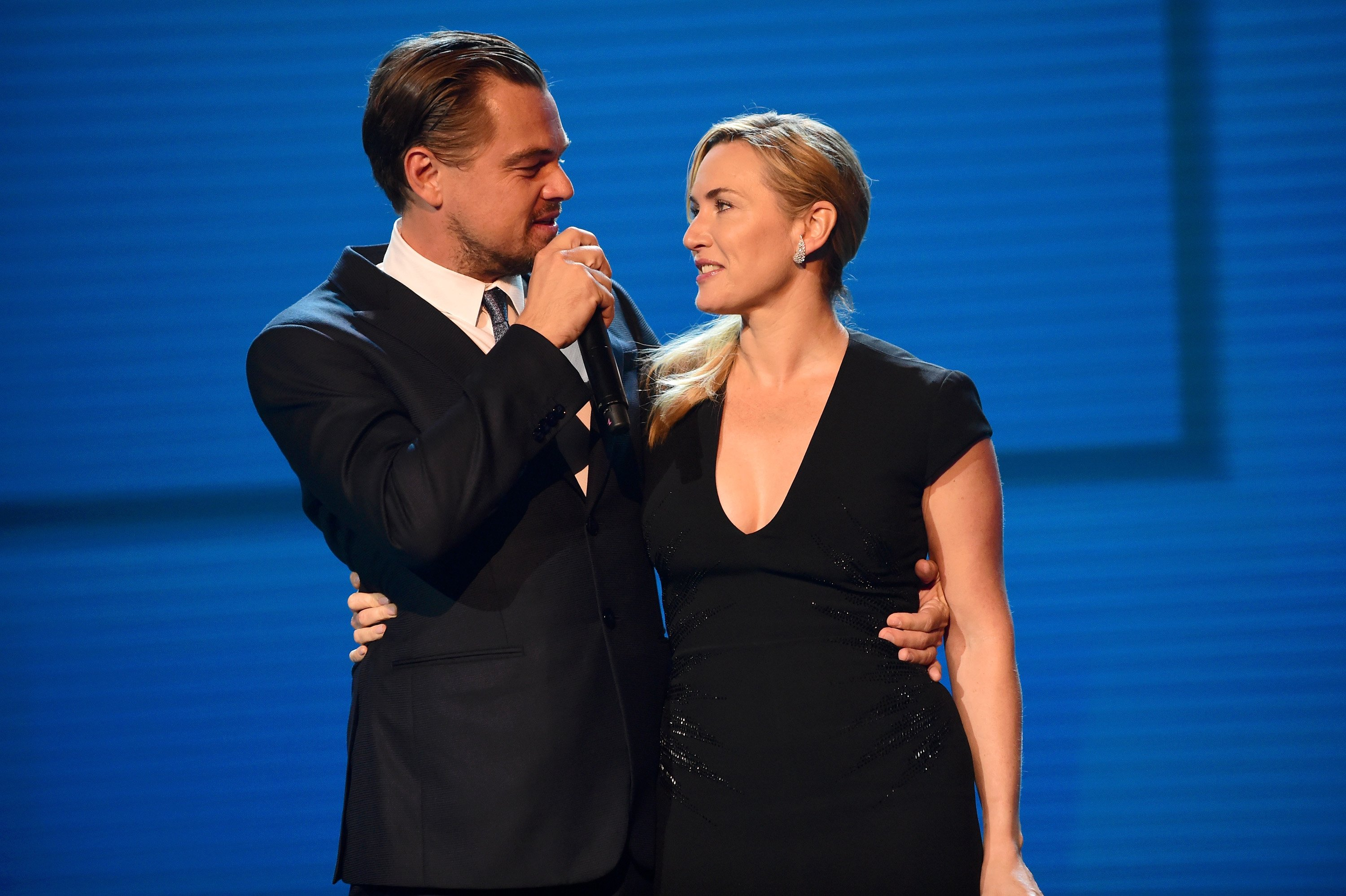 Kate Winslet and Leonardo DiCaprio on stage at the Leonardo DiCaprio Foundation's 4th Annual Saint-Tropez Gala on July 26, 2017. | Photo: Getty Images