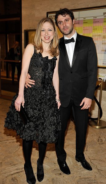 Chelsea Clinton and husband Marc Mezvinsky attend the 2011 School of American Ballet Winter Ball at David H. Koch Theater, Lincoln Center on March 14, 2011, in New York City.   Source: Getty Images.