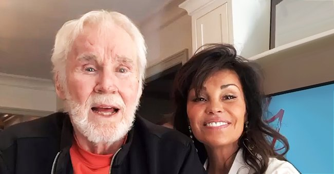 Kenny Rogers Shared Video from Thanksgiving Day with His Family and Friends