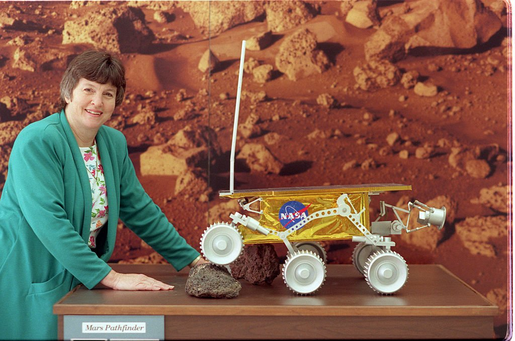 Donna Shirley, Mars Exploration Program Manager with lifesize model of Sojourne | Source: Getty Images