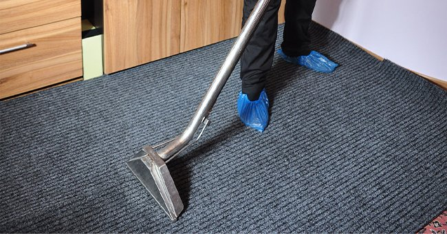 5 Easy Ways to Clean Your Carpet at Home