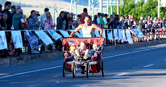 Cynthia Arnold Broke Guinness Record for Fastest Marathon While Pushing Her Children in a Three-Person Stroller