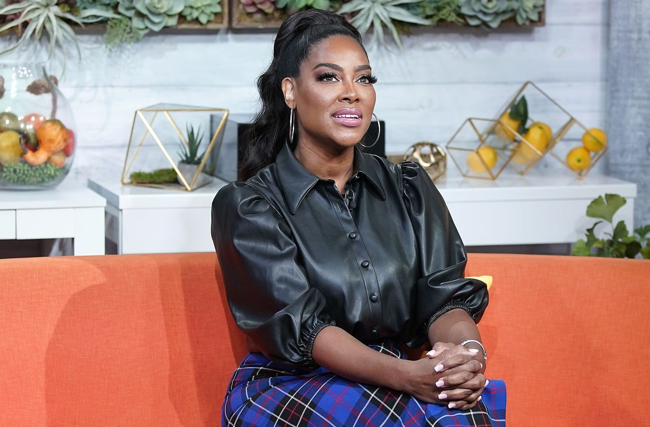"Kenya Moore on the set of BuzzFeed's ""AM To DM"" show on November 4, 2019. 