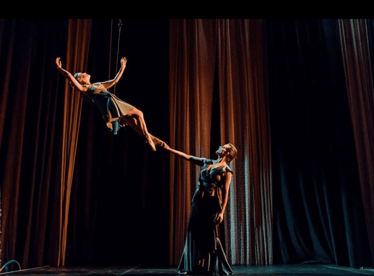A snapshot from Lisa Giobbi's aerial movement theater. | Source: Facebook/TheMuse
