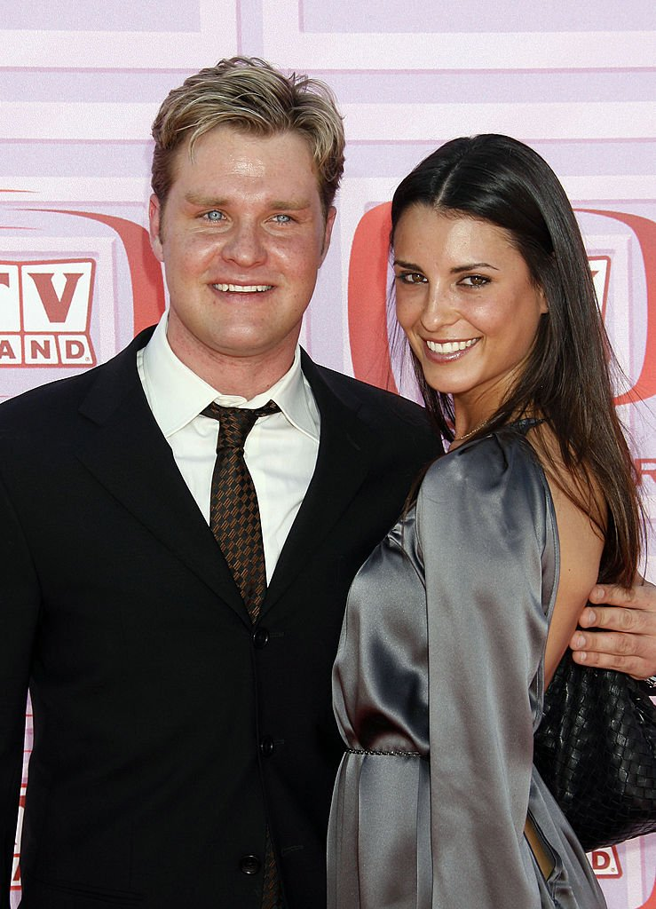 Zachery Ty Bryan and ex-wife Carly Matros at the 2009 TV Land Awards on April 19, 2009   Photo: Getty Images