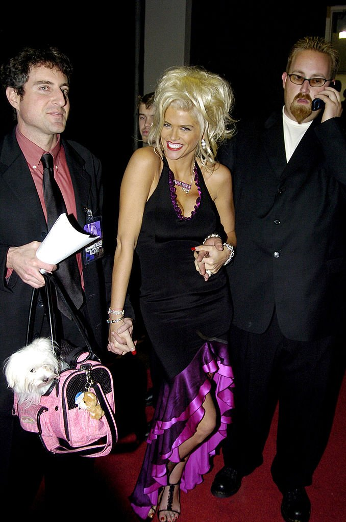 Anna Nicole Smith and Howard K. Stern at the 32nd Annual American Music Awards, November 2004 | Photo: GettyImages
