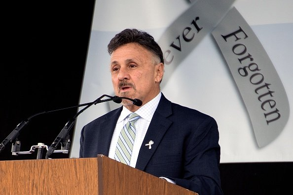 Frank DeAngelis during the Columbine Remembrance Ceremony at Clement Park in Littleton, Colorado, on April, 20, 2019. | Photo: Getty Images