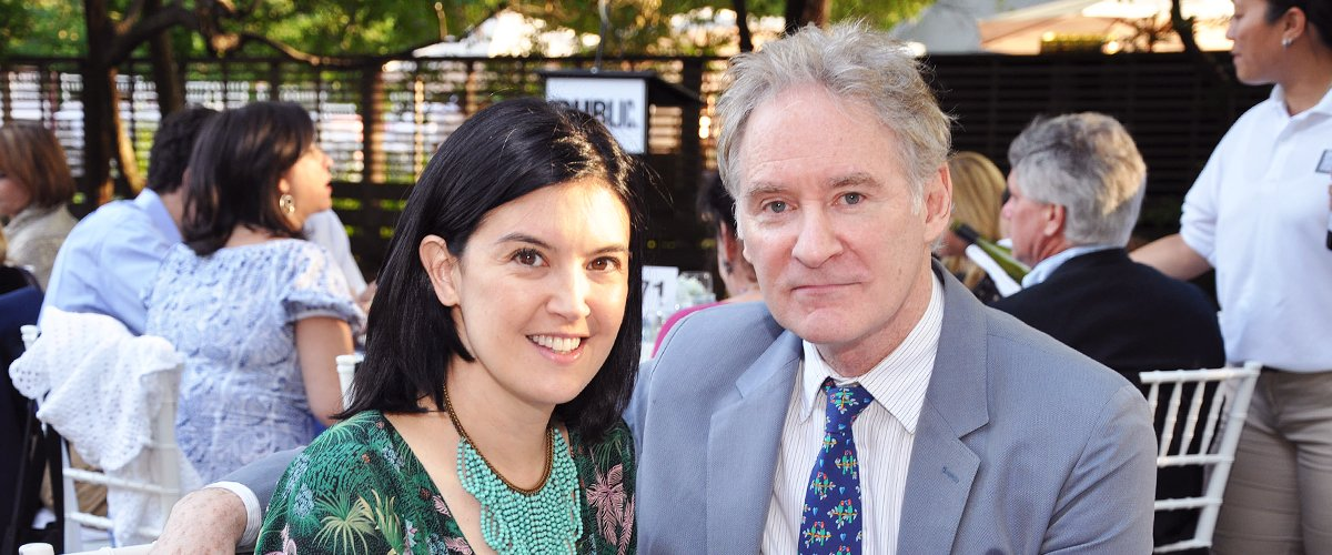 Phoebe Cates and Kevin Kline attend a gala for the Public Theater at Central Park in New York, U.S., on Monday, June 20, 2011 | Photo: Getty Images