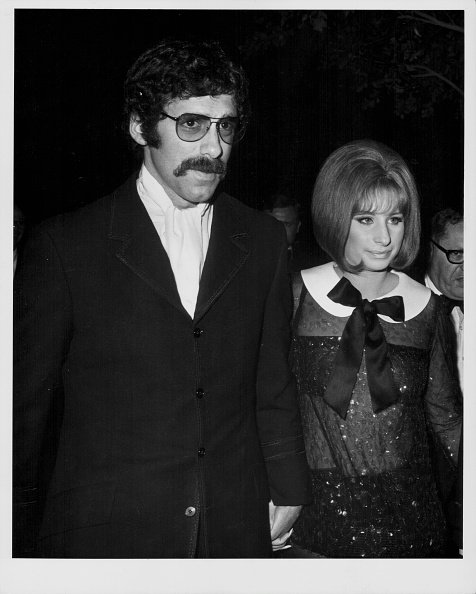 Elliot Gould and Barbra Streisand, attending the Academy Awards, Los Angeles, on April 14, 1969. | Photo: Getty Images