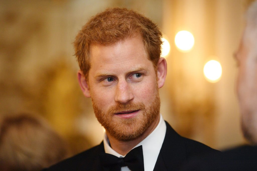 Le Prince Harry assiste au dîner de gala de 100 Women in Finance au profit de Wellchild au Victoria and Albert Museum le 11 octobre 2017 | Photo : GettyImages