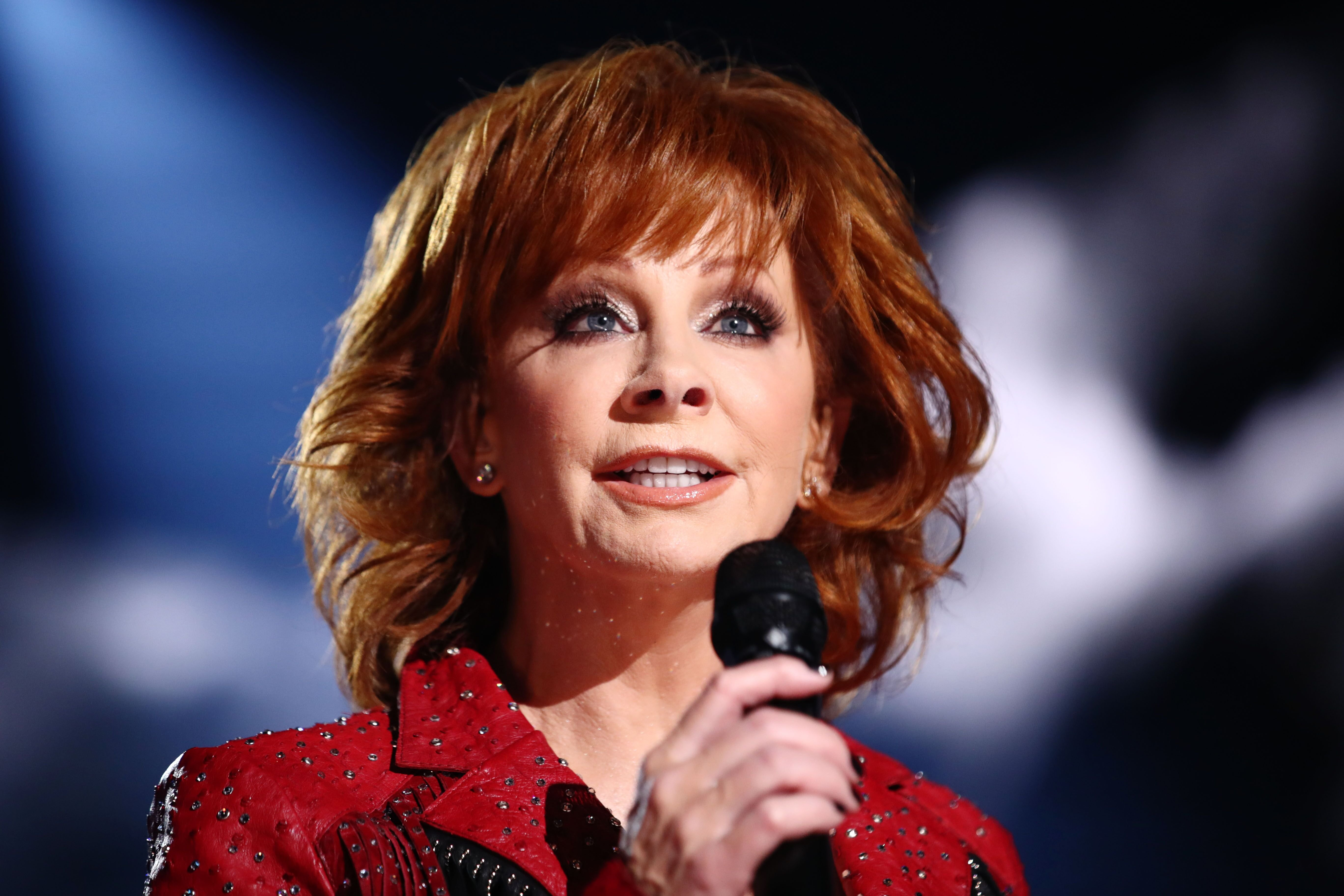 Host Reba McEntire performs onstage during the 54th Academy Of Country Music Awards at MGM Grand Garden Arena on April 07   Photo: Getty Images