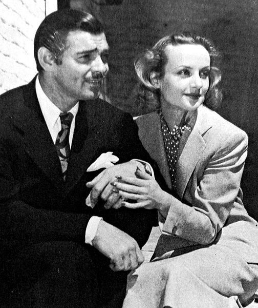 Clark Gable and Carole Lombard after their honeymoon, 1939. | Source: Wikimedia Commons