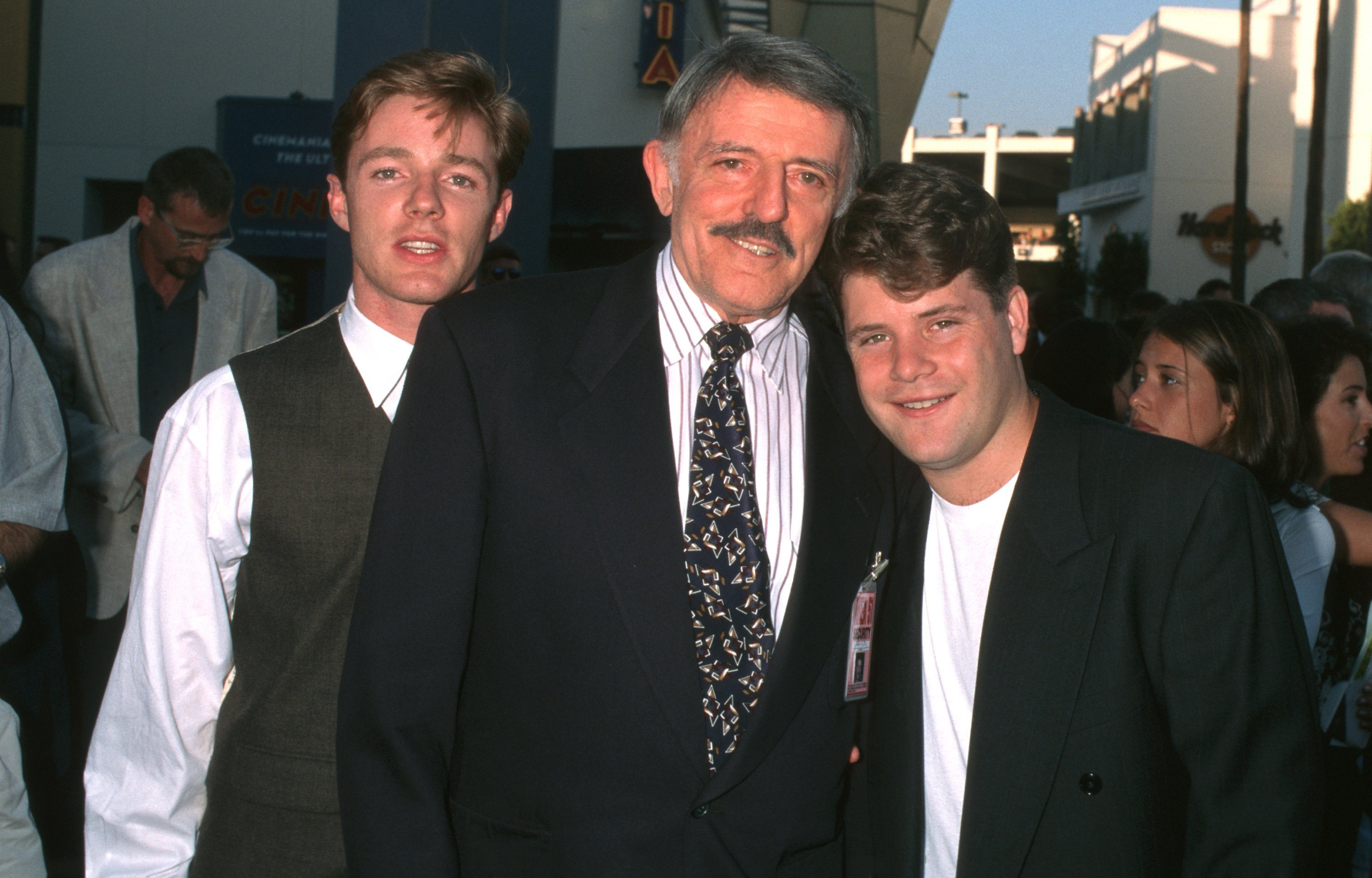 Mackenzie Astin, John Astin, and Sean Astin in Universal City, California on July 17, 1996 | Source: Getty Images/Global Images Ukraine