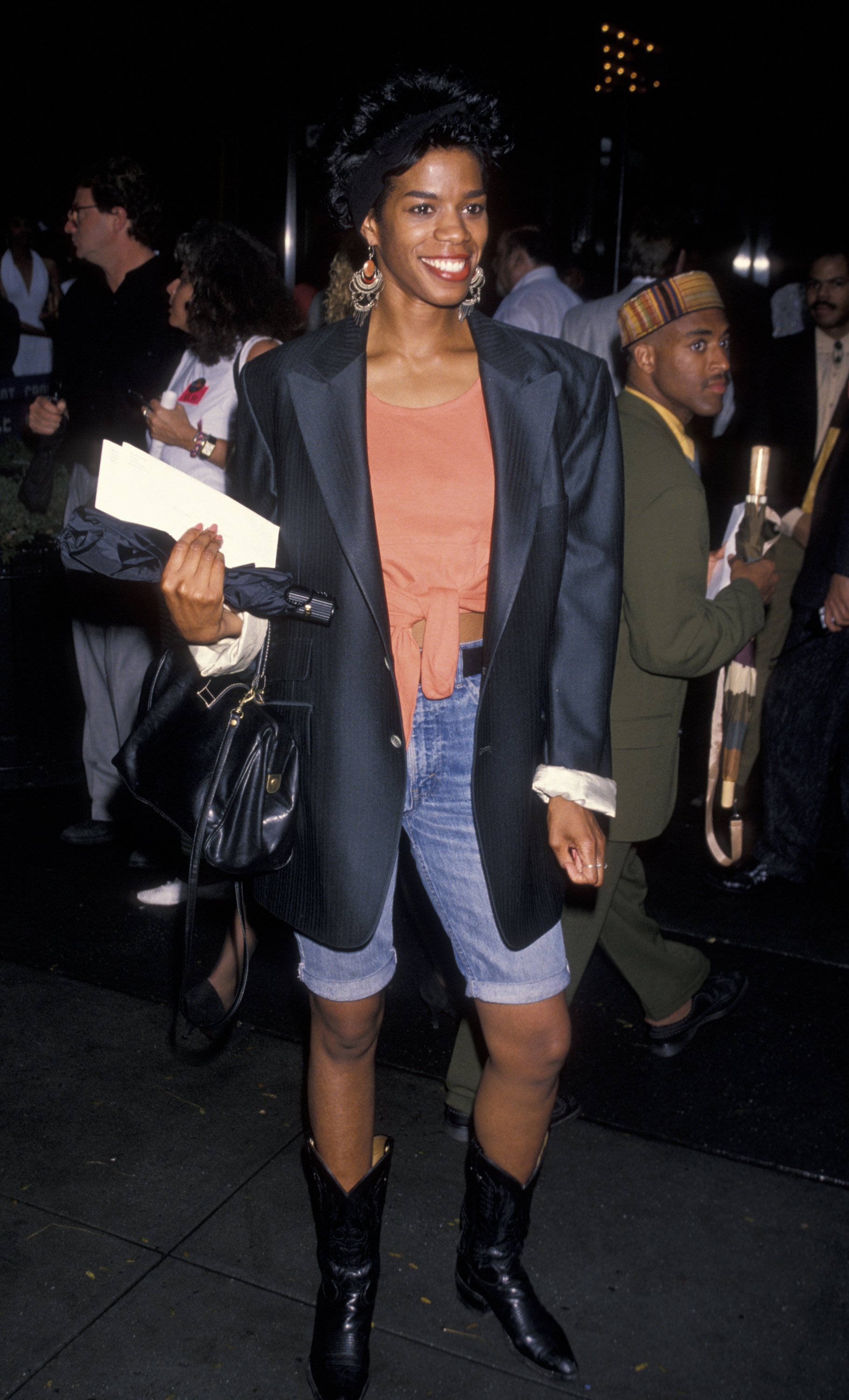 """Kim Wayans attends the premiere of """"Mo' Better Blues"""" at Ziegfeld Theater in New York City on July 23, 1990. 