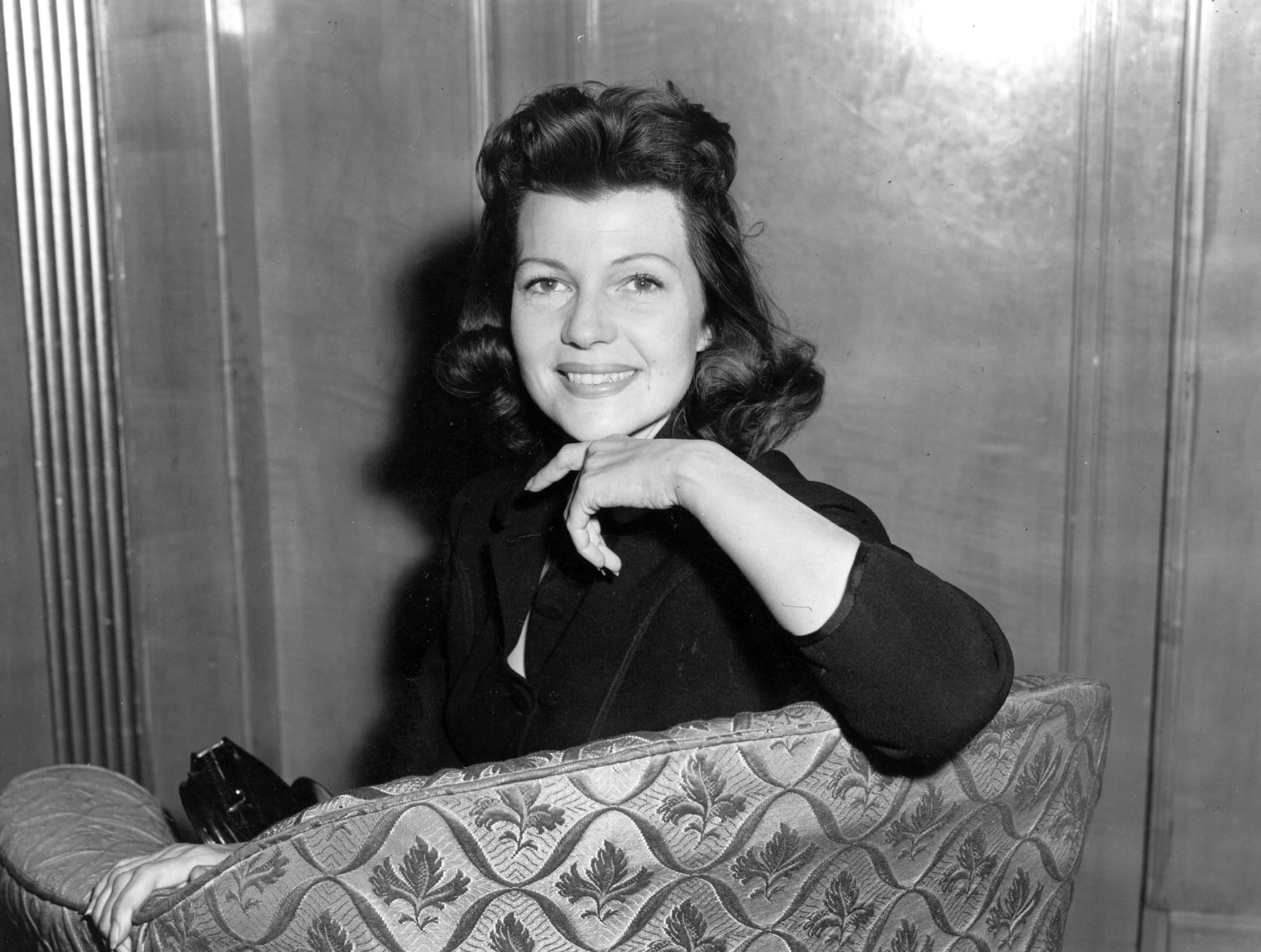 Rita Hayworth at the Dorchester Hotel, London. | Source: Getty Images