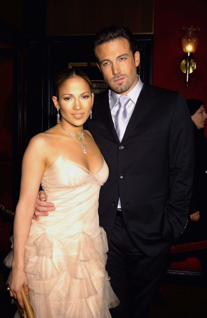 Jennifer Lopez and Ben Affleck at the The Ziegfeld Theatre on  December 08, 2002 | Photo: Getty Images