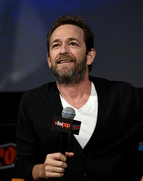 Luke Perry speaks onstage at the Riverdale Sneak Peek and Q&A during New York Comic Con at The Hulu Theater | Photo: Getty Images