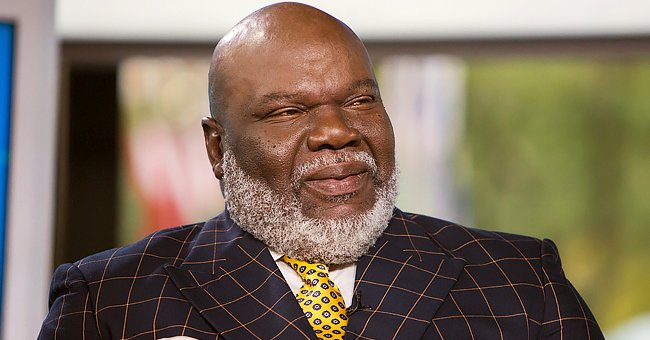 TD Jakes' Wife Serita Stuns in a Zebra-Print Dress during a Day Out with Him in a Black Outfit