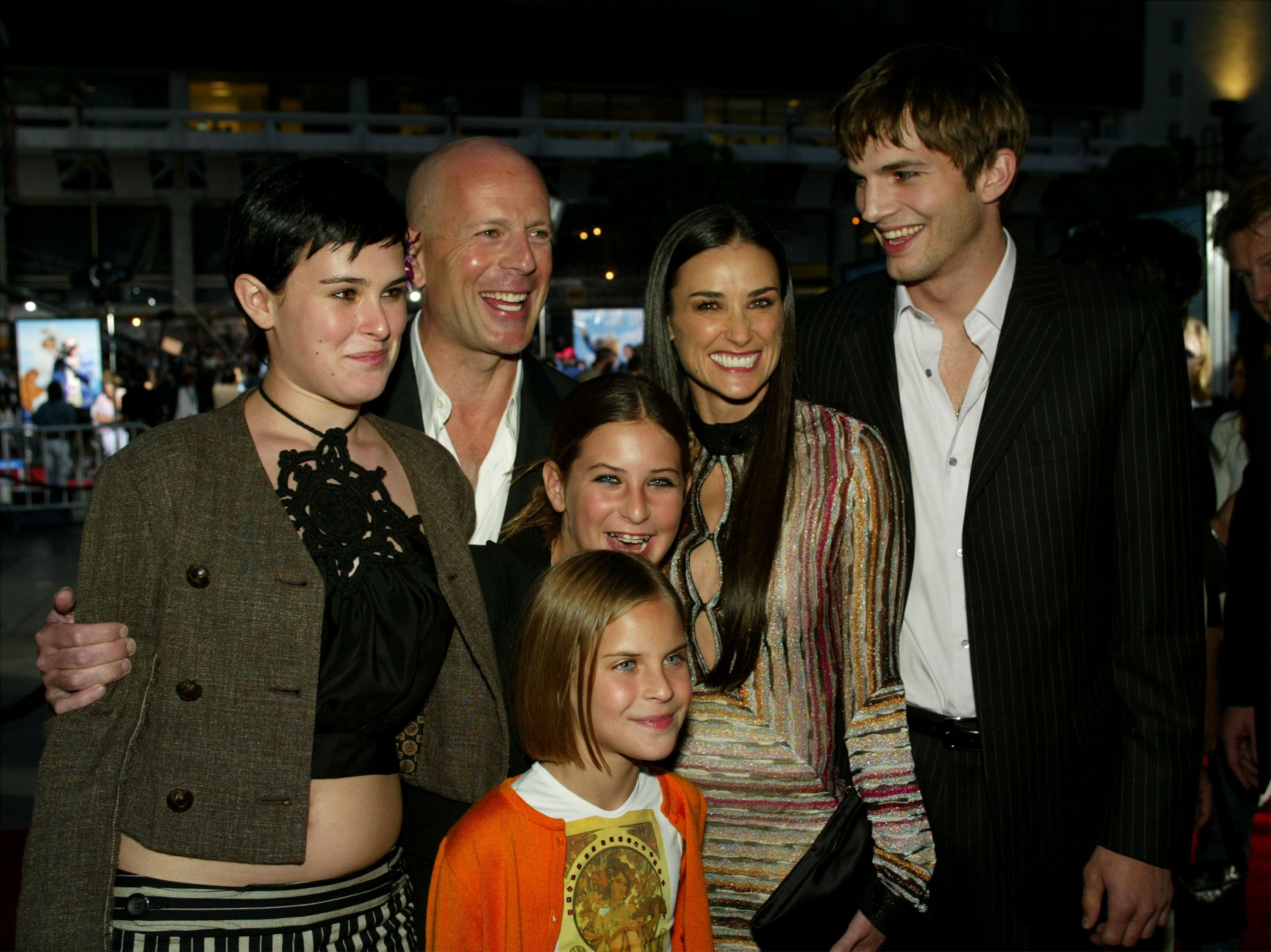 Bruce Willis, Ashton Kutcher, and Demi Moore with daughters at the Red Carpet (premiere) of Charlie's Angels 2 - Full Throttle."