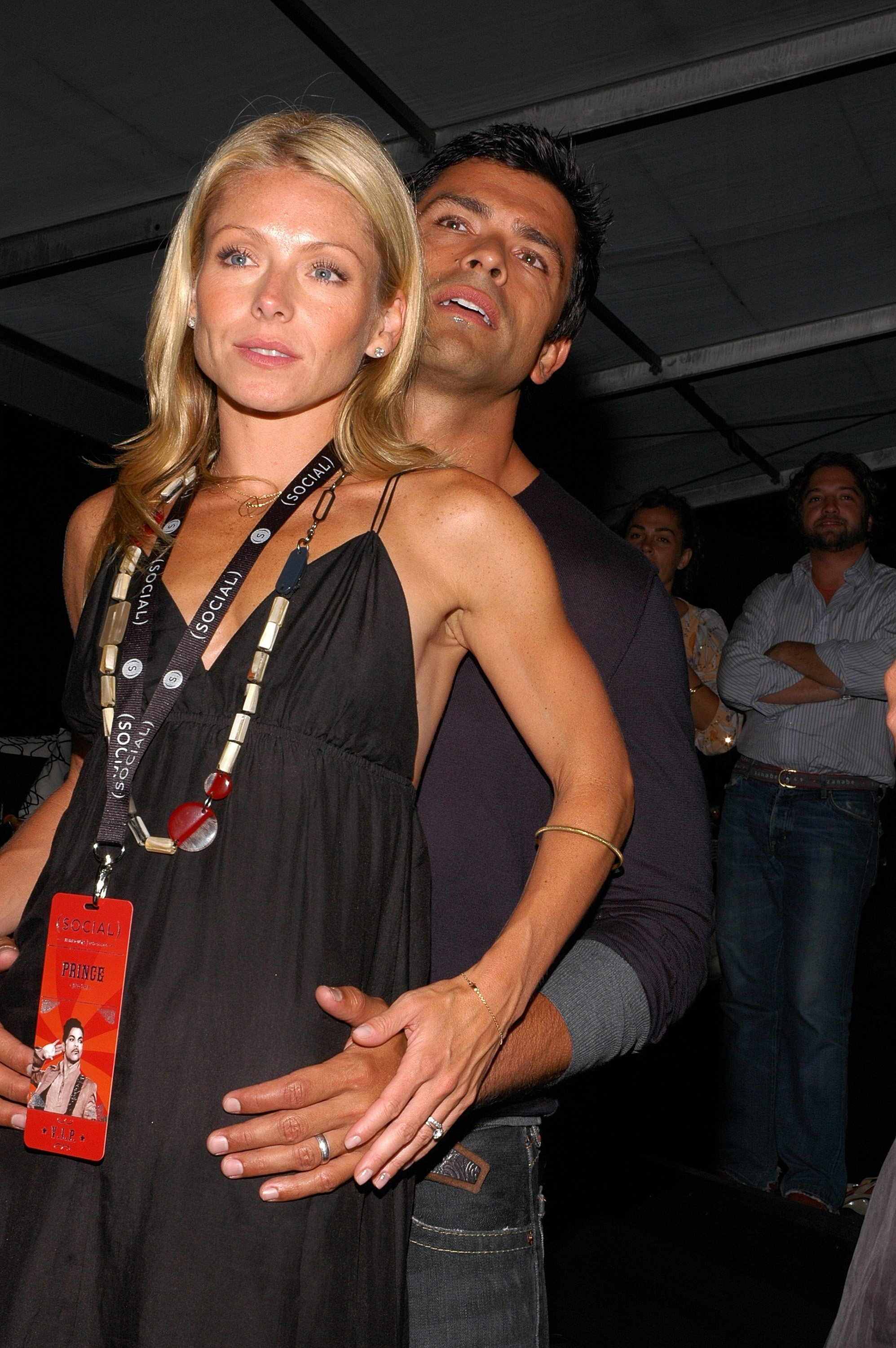 Kelly Ripa and Mark Consuelos attend the Hampton Social Ross on July 14, 2007. | Source: Getty Images