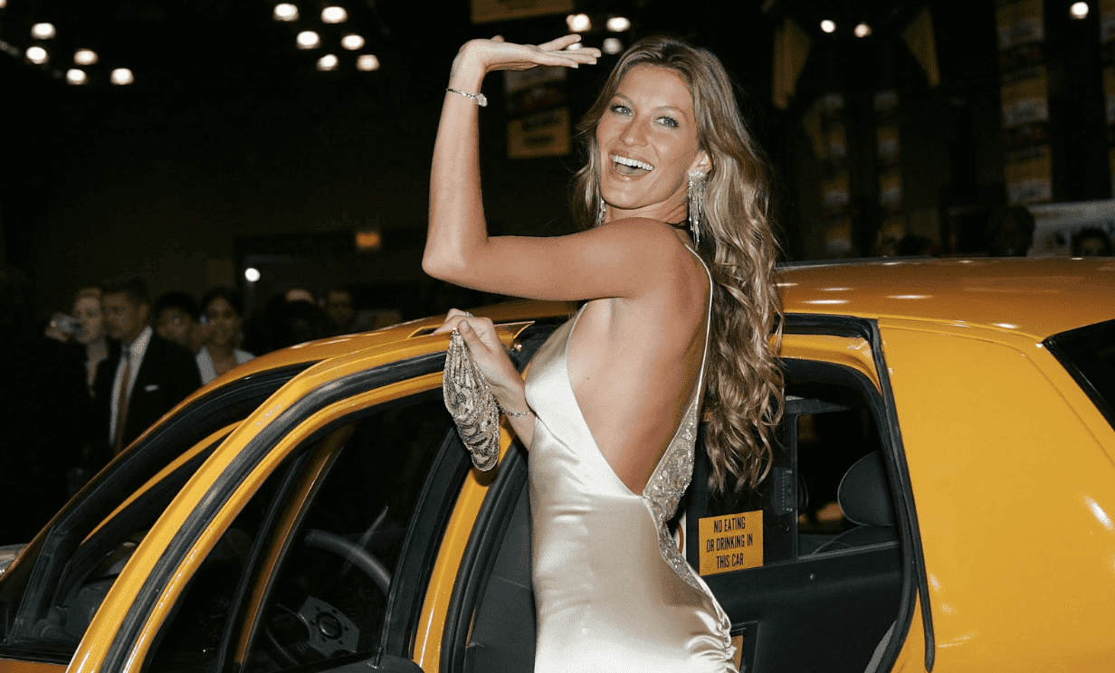"Gisele Bundchen at the ""Taxi"" film premiere on October 3, 2004. 