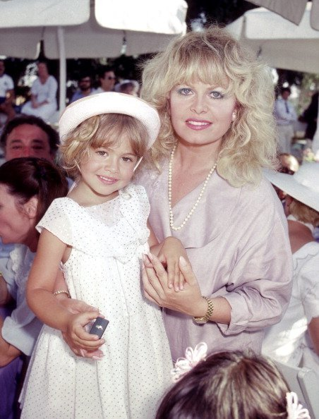 Sally Struthers and Daughter Samantha Rader during Celebrity Polo Matches on August 28, 1983 | Photo: Getty Images