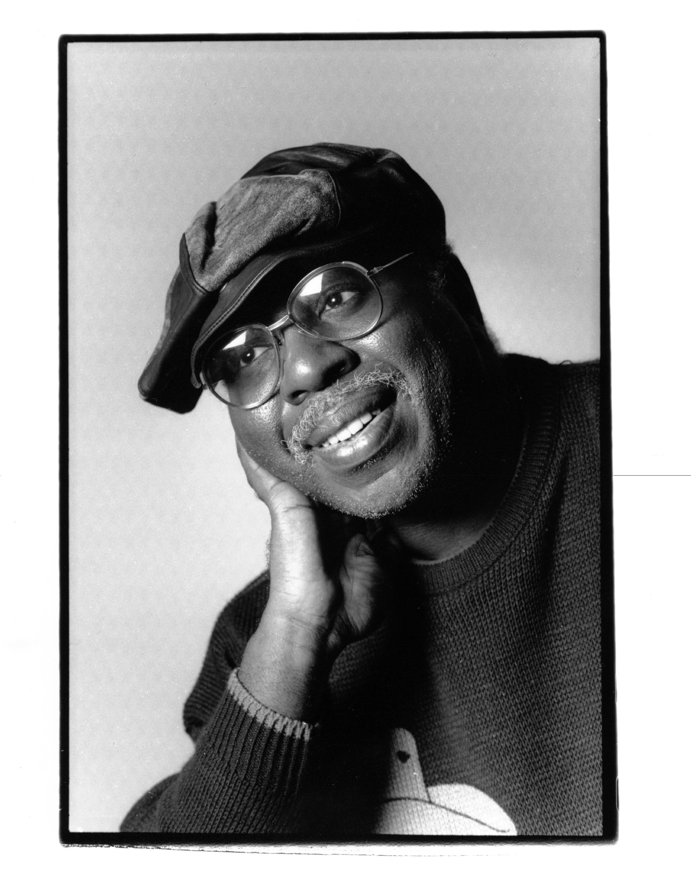 Blackk and white photo of Curtis Mayfield circa 1980 | Photo: Getty Images