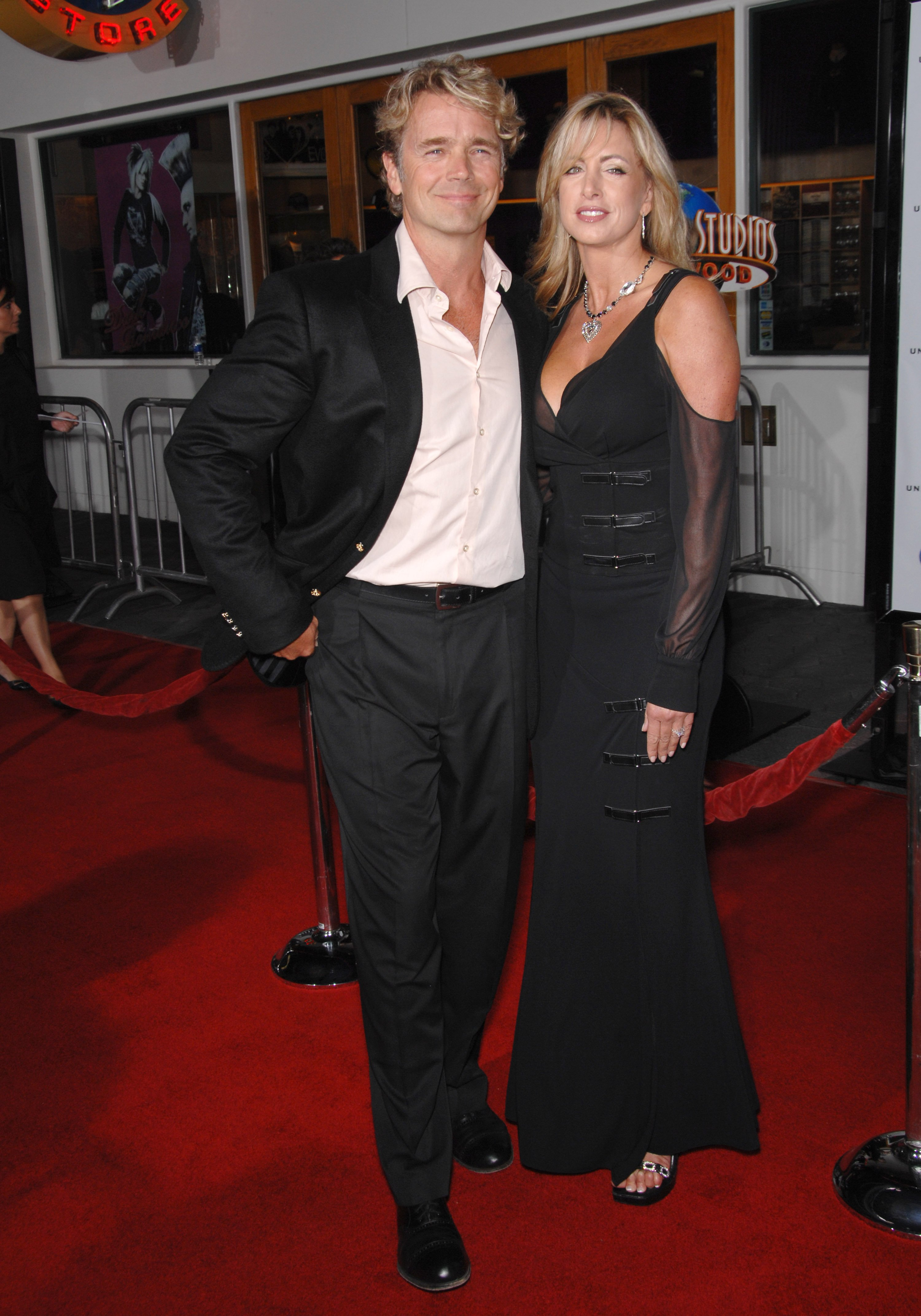 """John Schneider & wife Elly Castle at the world premiere of """"Elizabeth: The Golden Age"""" at Universal Studios, Hollywood. October 2, 2007  